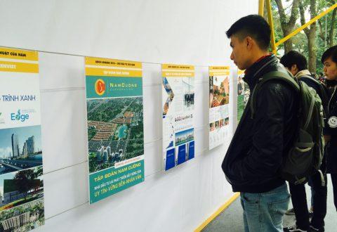 Triển lãm Ashui được thiết kế mở thu hút rất nhiều du khách đến thăm quan