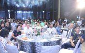 Hàng trăm khách hàng tham dự sự kiện chăm chú lắng nghe giới thiệu dự án
