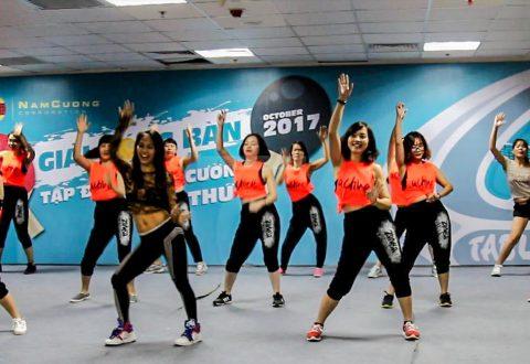 Câu lạc bộ Zumba Tập đoàn Nam Cường cống hiến cho sự kiện những vũ điệu đẹp mắt