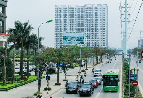Tiếp giáp với trục đường huyết mạch hướng tâm thủ đô Lê Văn Lương – Tố Hữu